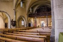 La nef. Au fond, le carillon & l'orgue.