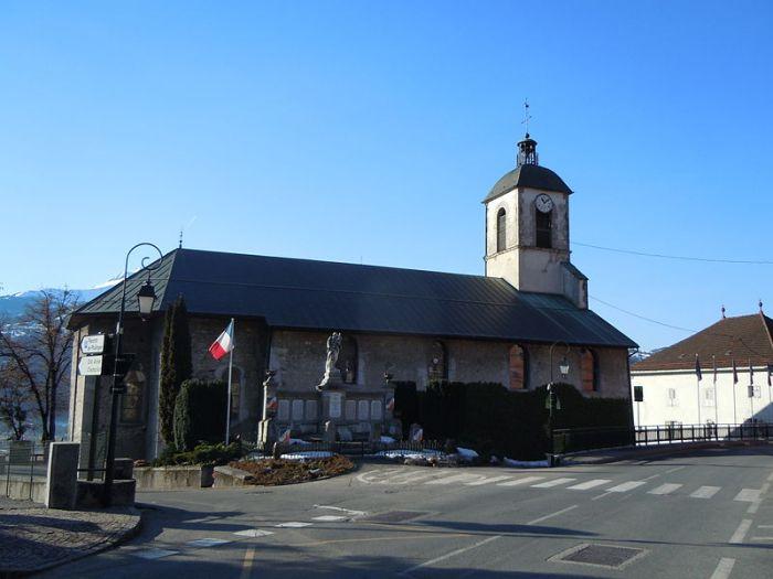 800px-Église_Saint-Pierre-et-Saint-Paul_de_Passy_coté_Nord